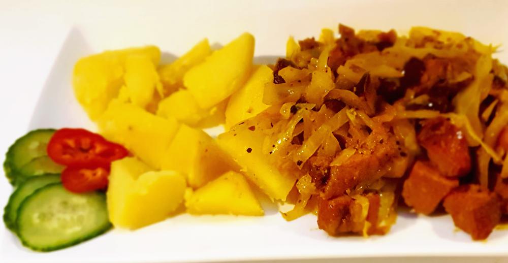 Sauerkraut-mit-Kassler-gebraten