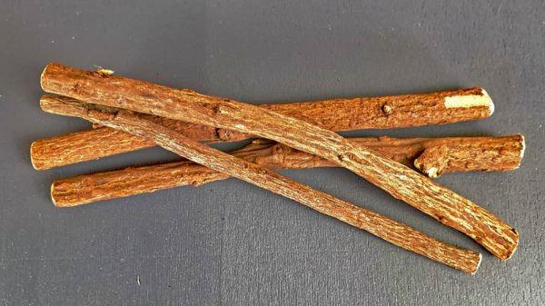 Süßholzwurzelstangen