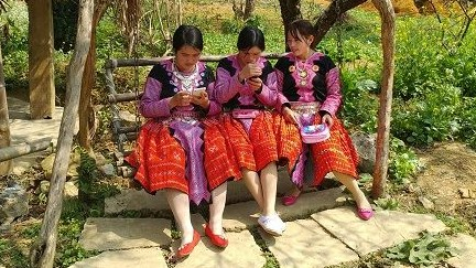 Junge-Leute-in-Vietnam-compressor